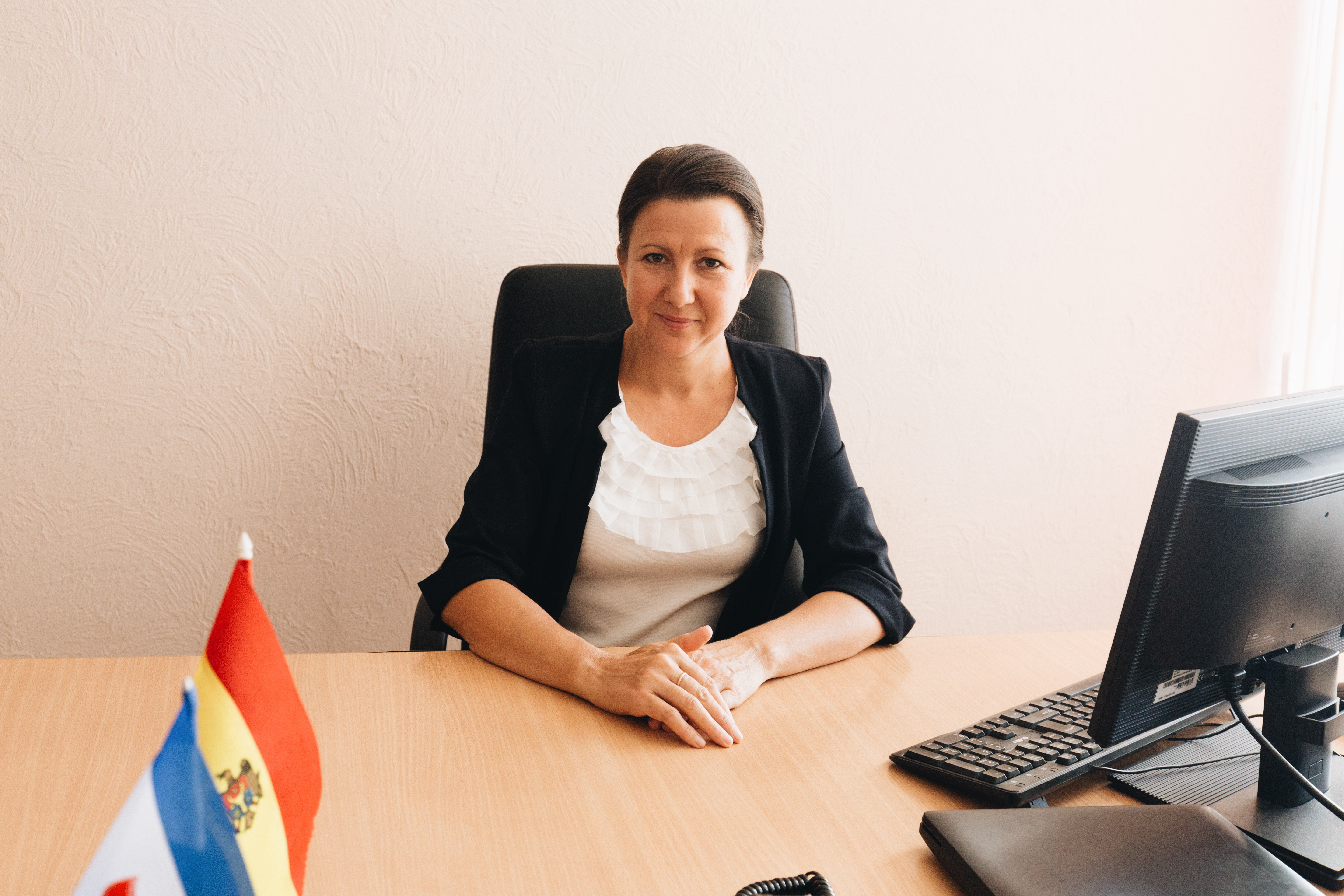Raisa Spinovschi at her desk in the city hall.